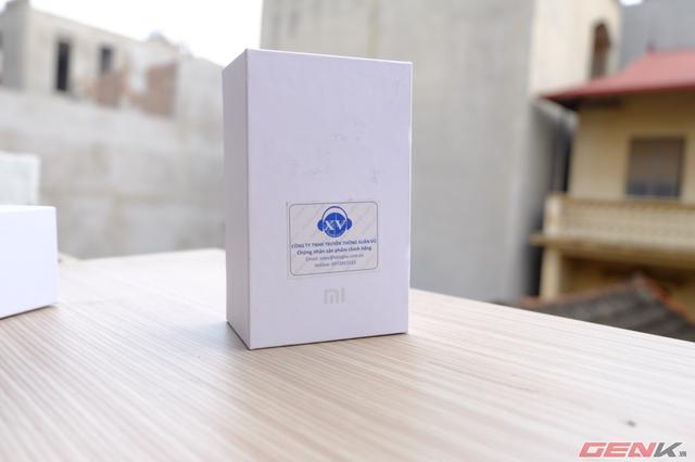 Giống như rất nhiều các sản phẩm khác mang thương hiệu Xiaomi, Bluetooth Mi cũng được đóng hộp rất đơn giản