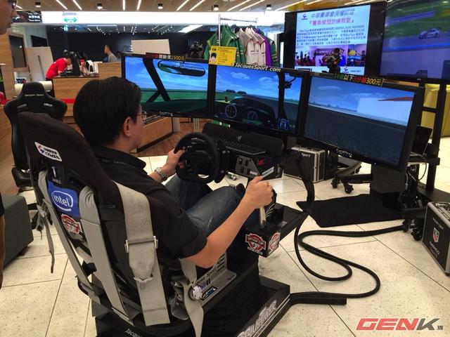 Một góc trải nghiệm game đua xe với hiệu ứng như thật.