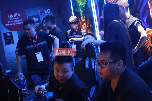 Cả 2 team AoE Trung Quốc đều bị loại sớm ở thể thức 4v4 Random.