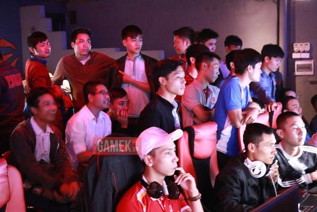 Ngày thi đấu thứ 2 giải AoE Việt Trung đã bớt nóng hơn khá nhiều.