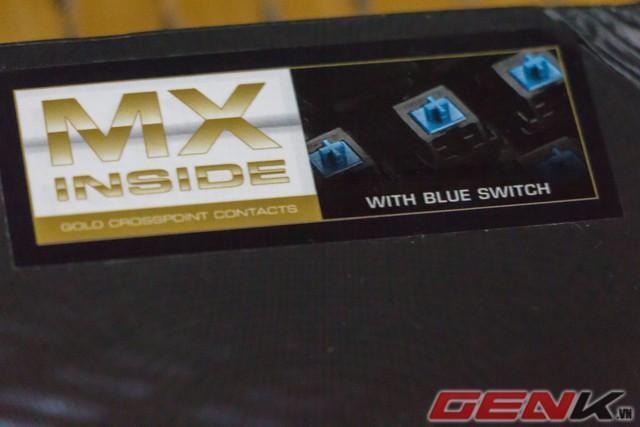 Thông tin về Switch được thể hiện ở góc phải của hộp, ở đây là Blue Switch.