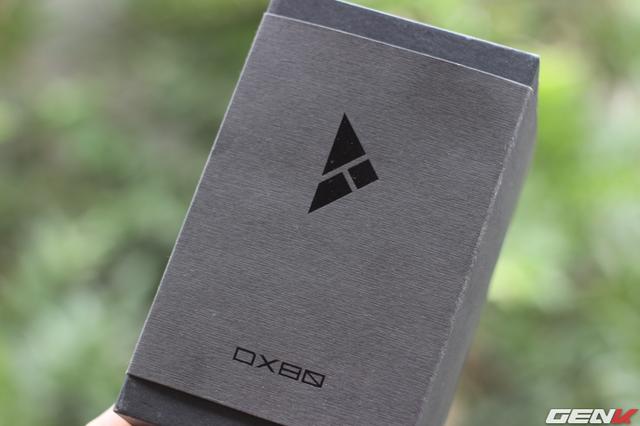 iBasso DX80 được đóng hộp ngoài đơn giản, gọn gàng