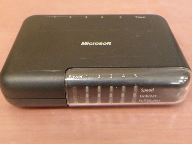 Router Wifi của Microsoft những năm 2002 đến 2004