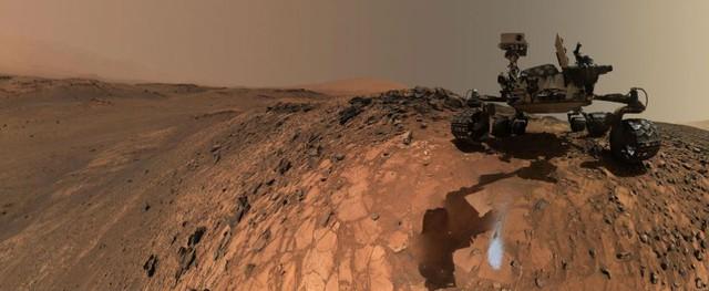 Xe tự hành Curiosity của NASA chỉ cách vị trí nghi ngờ dòng nước 50km