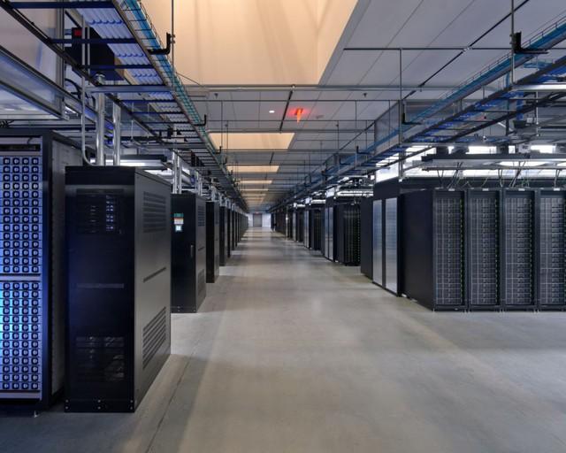 Trung tâm dữ liệu của Facebook tại Thụy Điển, nơi xử lý hơn 10 nghìn tỉ truy vấn mỗi ngày.