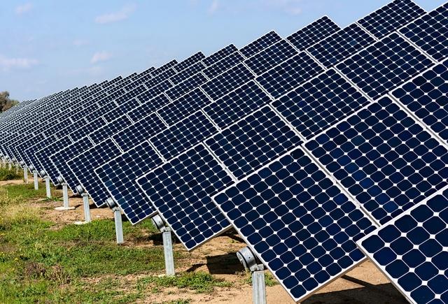 Các tấm pin mặt trời sẽ là tương lai của cuộc cách mạng năng lưọng xanh.