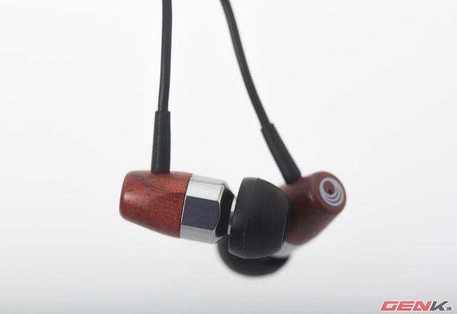 MS01 sở hữu thiết kế siêu nhẹ, đeo thoải mái cùng khả năng cách ly tiếng ồn gần như tuyệt đối.