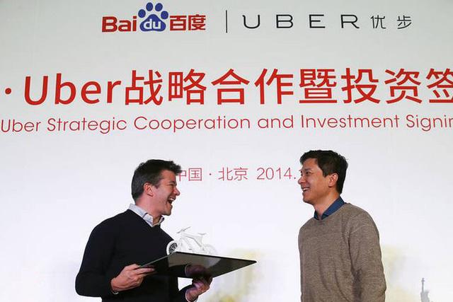 CEO Travis Kalanick của Uber và CEO Robin Li của Baidu ký kết thỏa thuận hợp tác mang tính chiến lược giữa 2 công ty vào tháng 12 năm ngoái.