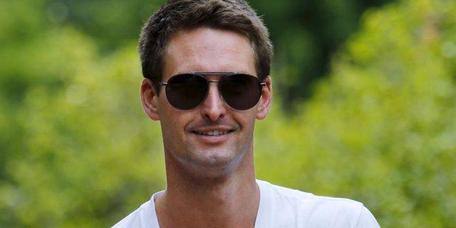 Evan Spiegel, nhà sáng lập Snapchat hiện đang đứng đầu danh sách những thanh niên kiếm tiền giỏi nhất năm 2016.