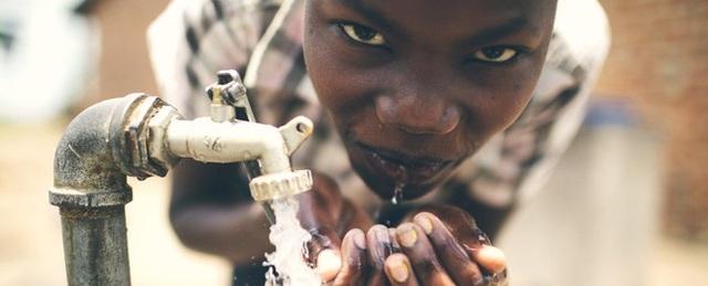 Có tới hơn 748 triệu người trên thế giới không được sử dụng nước sạch.