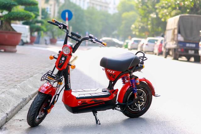 Xe đạp điện là loại phương tiện phổ biến ngày nay trong giới game thủ trẻ tuổi.