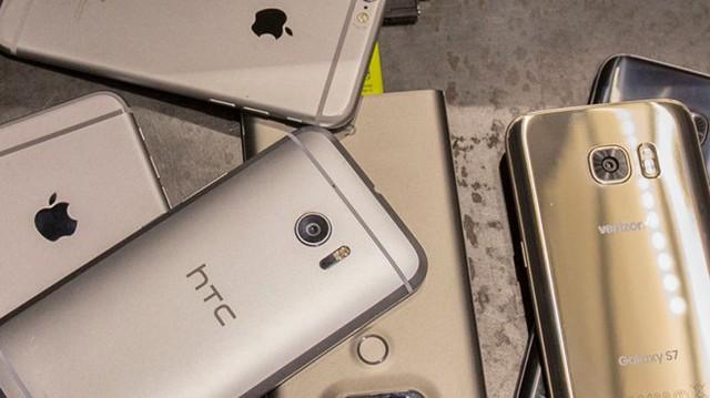 Nếu là một người ít quan tâm đến smartphone, hẳn là bạn sẽ khó có thể nhận ra đây là sản phẩm của nhiều thương hiệu khác nhau.