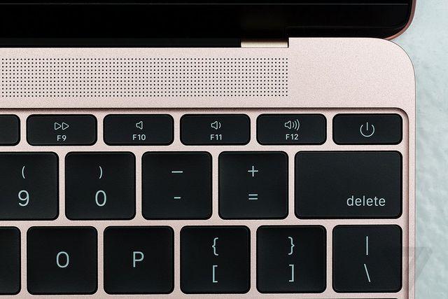 Cách bố trí bàn phím hoàn toàn tương tự.