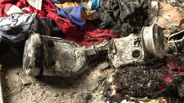 Một phụ nữ tên Jessica Horne ở Louisiana đã mất nhà ở sau khi chiếc hoverboard hiệu Fit Turbo phát nổ. Ảnh: CNET.