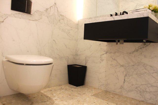 Chipperfield đã tính toán kĩ lưỡng tới từng chi tiết một, đặc biệt là nhà vệ sinh được ông tự tay thiết kế.