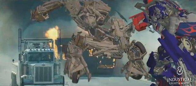 … Optimus Prime chỉ được phác họa thô trên máy vi tính như thế này đây.
