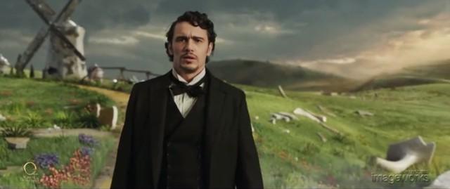 Hình ảnh James Franco lạc vào xứ Oz thần kì trên phim…