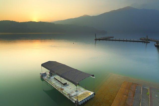 Hy vọng rằng với những hành động tích cực nói trên, dân địa phương cũng như du khách sẽ còn được thưởng thức vẻ đẹp của hồ Green Lake trong nhiều năm nữa.