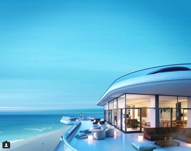 Căn penthouse hạng sang này tựa như một công trình đến từ tương lai vậy.