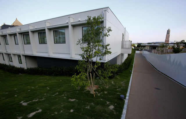 Khách sạn robot mới mở ở Sasebo, Nhật Bản là một phần của công viên giải trí Huis Ten Bosch