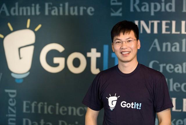 Làm startup là đi trên những con đường mù mịt, bởi những con đường rõ phương hướng các công ty lớn đã đi hết, không còn cơ hội - Trần Việt Hùng chia sẻ.
