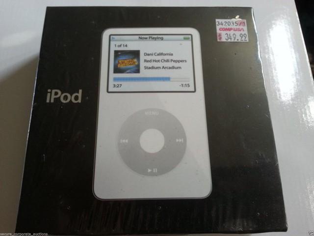 Terapeak, công ty chuyên theo dõi giá cả của các sản phẩm sưu tầm trên eBay đã phát hành báo cáo về giá các dòng sản phẩm của Táo khuyết sau khi được ngừng sản xuất. iPod thế hệ thứ 5 (80 GB) có giá 1.394 USD trong khi người sở hữu mua nó với giá 349 USD.