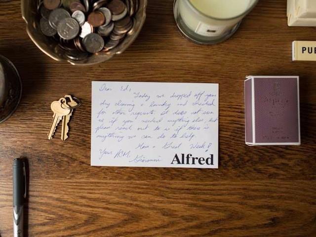 Một tờ note đầy tình cảm của nhân viên dành cho khách hàng của công ty.