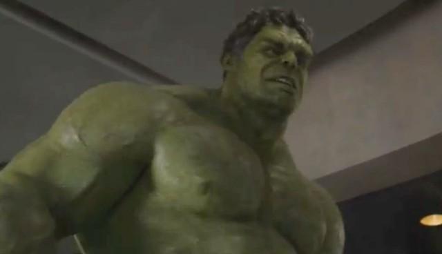 """Mark Ruffalo rất thành công với tạo hình người khổng lồ xanh Hulk trong """"Avengers"""" đúng không…"""