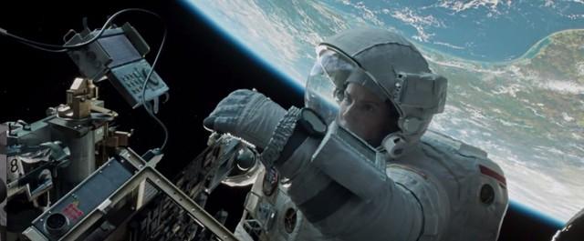 …bỗng chốc có mặt tại không gian vũ trụ chỉ trong một nốt nhạc.