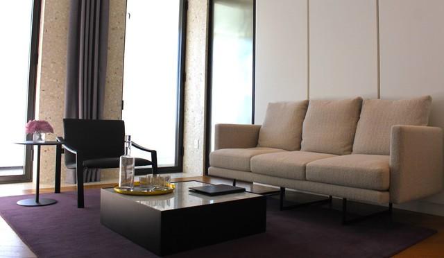 Căn hộ mẫu được bài trí giống như phiên bản hiện đại của căn hộ nhân vật Don Draper sở hữu trong series phim truyền hình Mad Man từng được trình chiếu tại Mĩ vào những năm 1960.