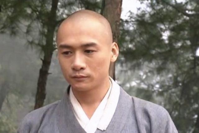 Tuy ít đất diễn nhất nhưng bù lại Hư Trúc lại được tác giả Kim Dung ưu ái cho gặp rất nhiều may mắn.