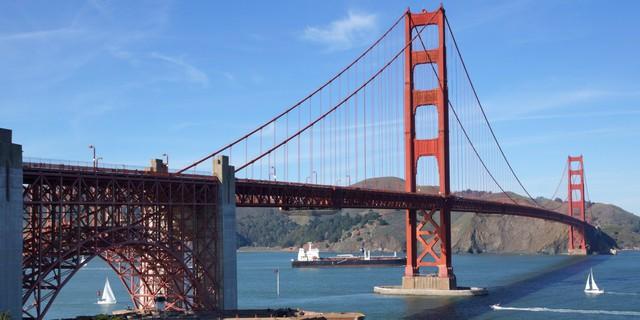 Cây cầu Golden Gate đã quá nổi tiếng và là biểu tượng của San Francisco trong nhiều thập kỷ qua.