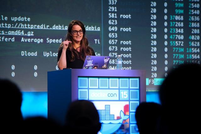Frazelle phát biểu trước cộng đồng lập trình viên tại Docker Con 15