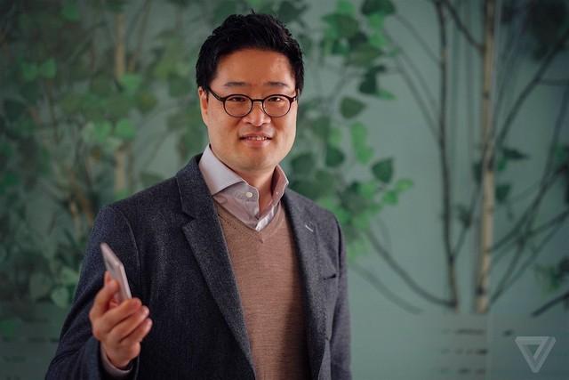 Anh Lee Jung-hoon, thiết kế trưởng của LG G5.