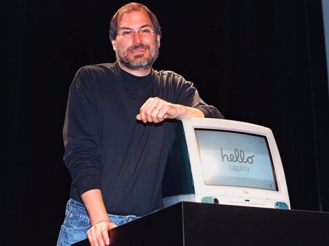 iMac là chiếc máy đã cứu sống Apple, và thành công đó đi kèm những quyết định từ bỏ cái cũ