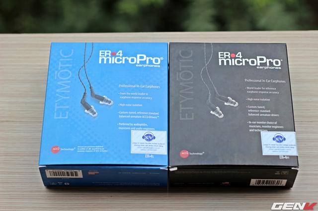 Bộ đôi Etymotic ER4 được đóng trong hộp giấy khá đơn giản cùng một số công nghệ nổi bật của hãng.