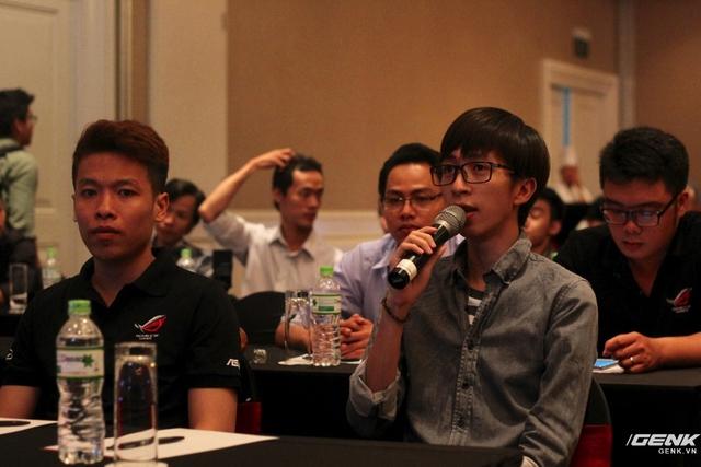 Game thủ Đặng Tiến Hoàng (ViruSs) đến tham dự sự kiện.