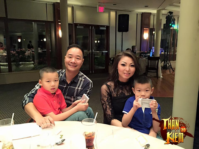 Gia đình anh Mạnh Tuấn đang sinh sống tại Canada