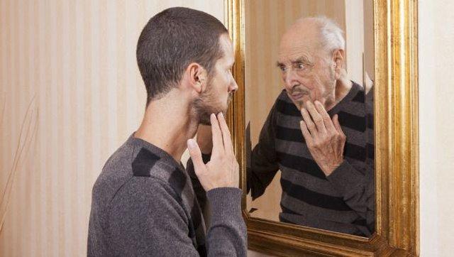 Tại sao một số người trông già hơn độ tuổi thực của họ?