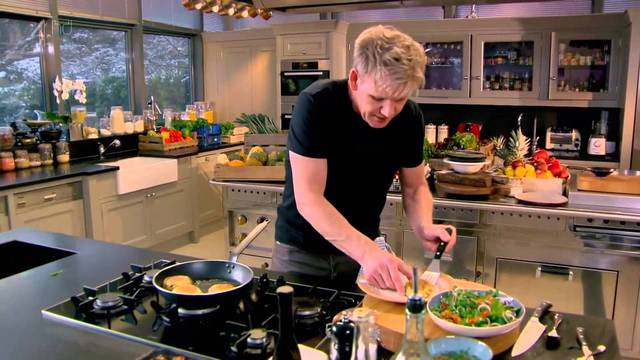 Giữ góc bếp luôn gọn gàng, sạch sẽ luôn là tiêu chí hàng đầu của mỗi đầu bếp xuất sắc