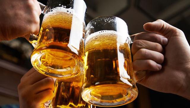 Đừng chúc tụng bia rượu, chúng có thể gây tới 7 loại ung thư khác nhau