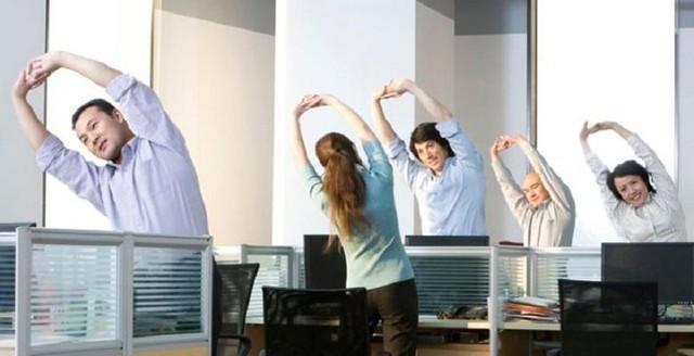 Bạn nên vận động tích cực hơn trong văn phòng của mình