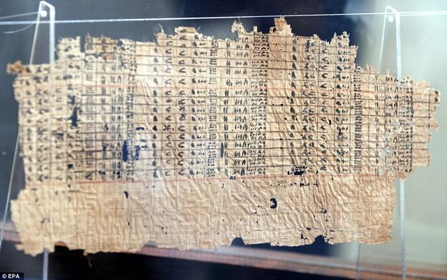 Cống vật từ các quận khác được đưa về Cairo để phục vụ quá trình xây dựng kim tự tháp.