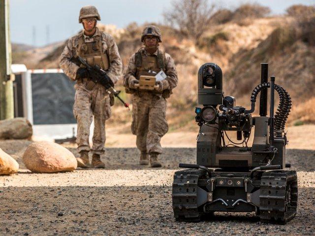 Lực lượng Thủy quân lục chiến và Lục quân Mỹ đã thử nghiệm MAARS vào tuần trước để xem nó có thể phối hợp thế nào với binh lính.