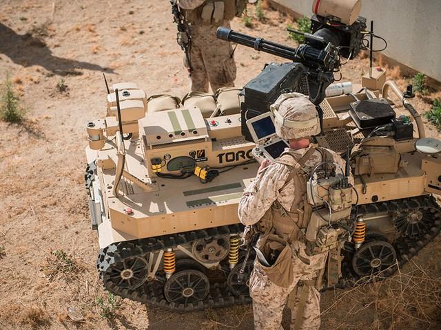 CART có thể bắn được từ 2000 đến 6000 viên đạn/phút. Để chính xác hơn, nó sẽ được trang bị ống ngắm laser bên trên. Phiên bản này cũng có tốc độ tối đa lên đến 24km/h, hoạt động được 20 tiếng và có tầm hoạt động 4km.