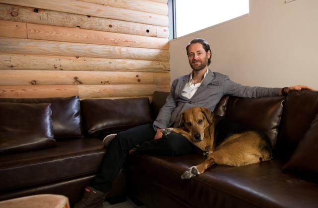 Ryan Holmes, vị CEO của Hootsuite đã xây dựng văn hóa tập luyện ở công ty ngay từ những ngày đầu thành lập