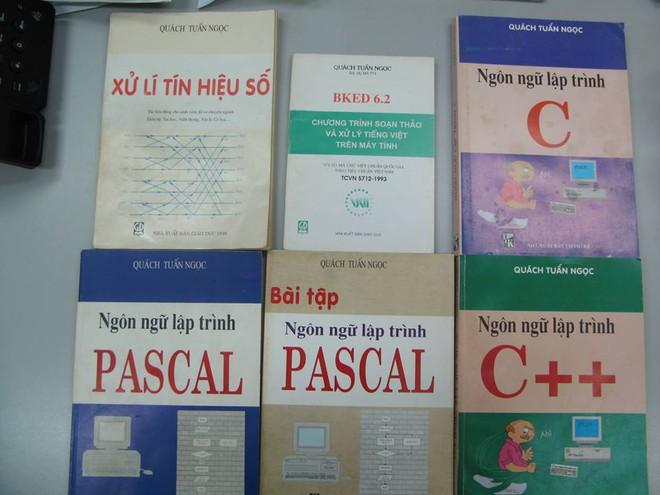 Những cuốn sách gối đầu giường của sinh viên ngành CNTT những năm 1990.