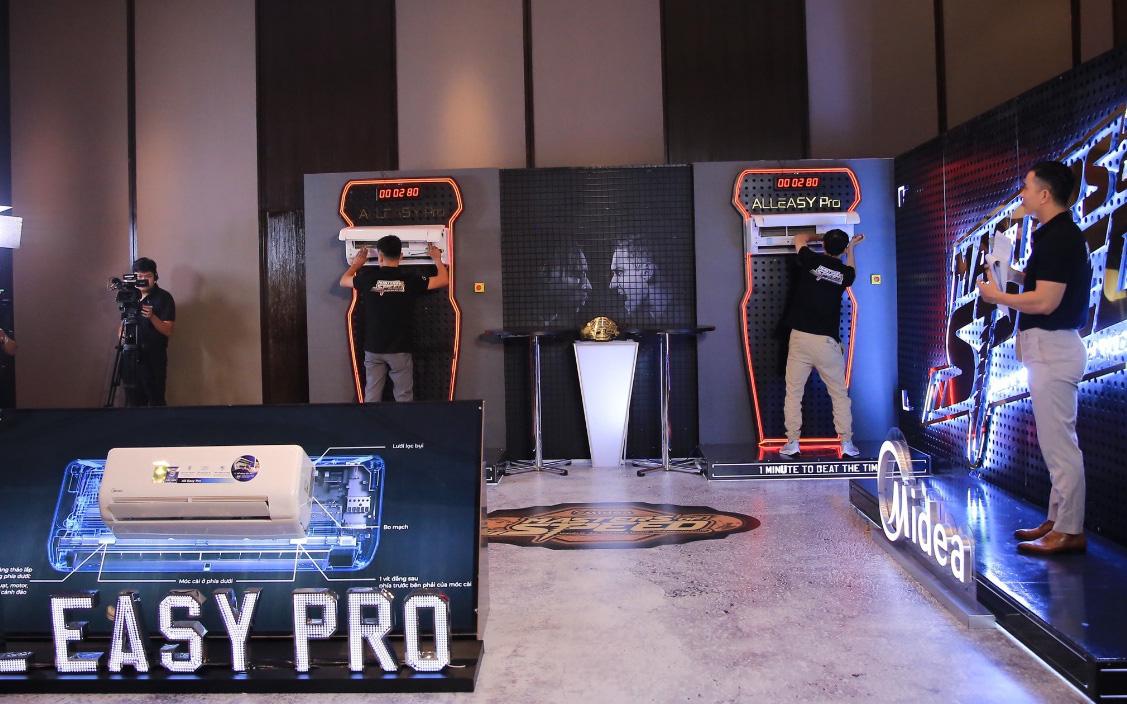 """""""Tháo lắp thần tốc"""" Cuộc thi tháo lắp máy lạnh Midea AE Pro trong 1 phút"""