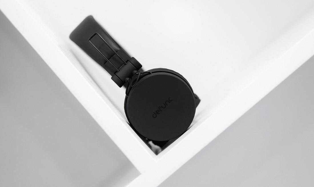 """Săn sale đầu năm, """"vớ"""" ngay được tai nghe Bluetooth thương hiệu Châu Âu chất lượng khá ổn, pin nghe cả tuần mà giá thì siêu mềm mịn!"""