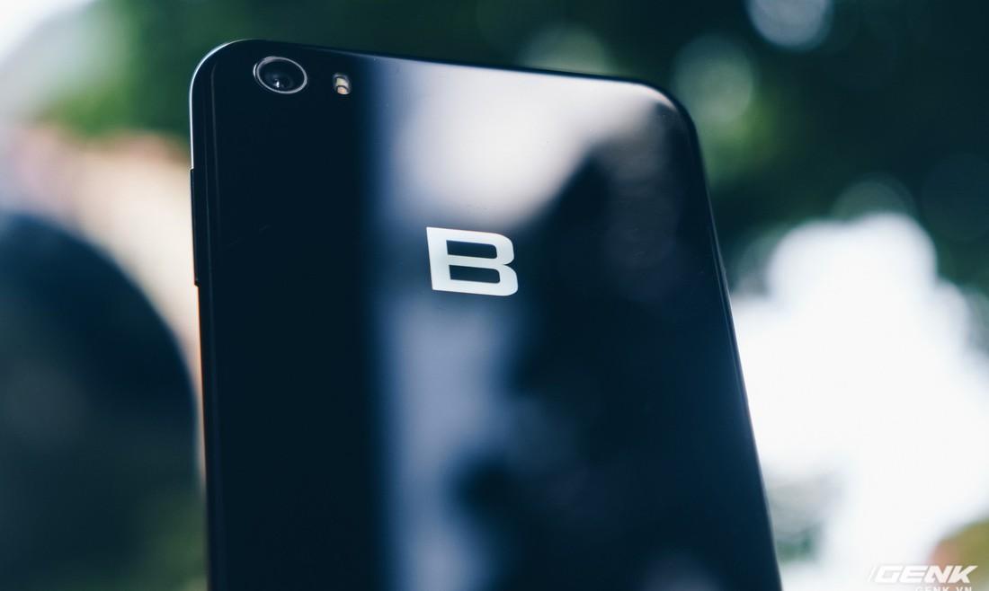 Lần đầu tiên BKAV cập nhật Android cho Bphone, tiếc là lên Android 8.1 từ hơn 1 năm trước